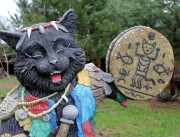 Садовая скульптура «Кот-шаман»