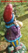 Скульптура для сада «Гном с колокольчиком»