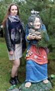 Садовая фигурка «Кикимора с ежом»