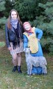Садовая фигурка «Баба с козой»