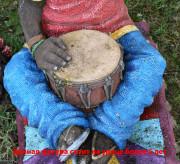 Скульптура музыканта «Лось с барабаном»