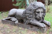 Садовая скульптура «Лев голова вверх»