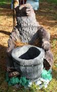 Садовая скульптура «Медведь с колодой»