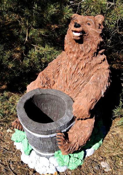 """Садовая фигура """"Медведь с колодой"""""""