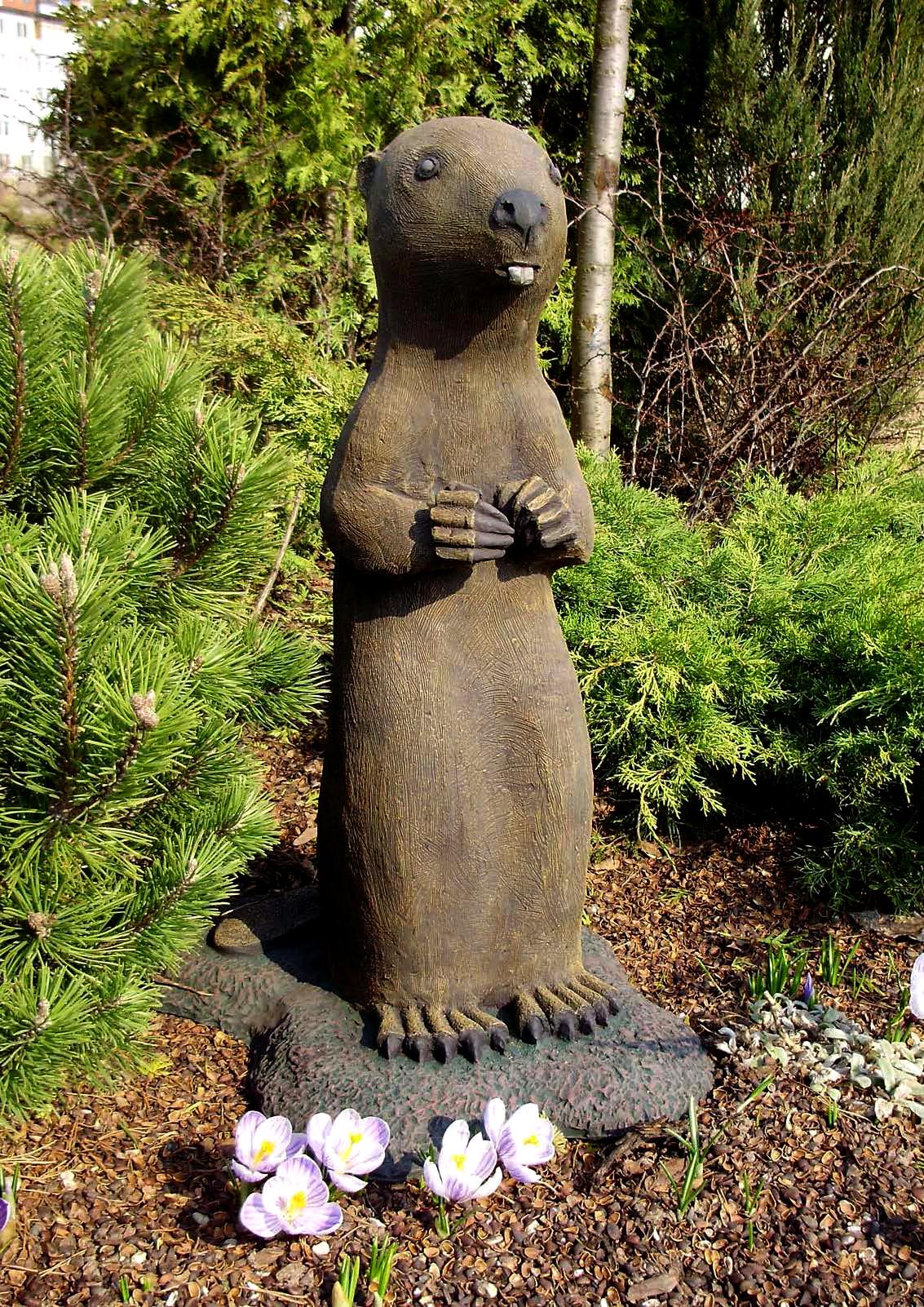 садовые небольшие скульптуры в картинках фото, котором позирует