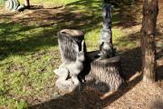 Садовая скульптура «Зайцы на пне (цветник)»