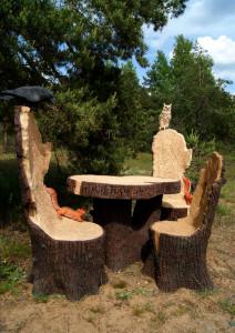 Садовая фигура - композиция мебели