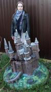 Садовая фигурка — Декоративная крышка люка «Замок»