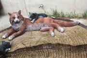 Декоративная крышка люка «Кошка на пне»