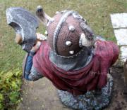 Скульптура для сада «Викинг (топор слева)»
